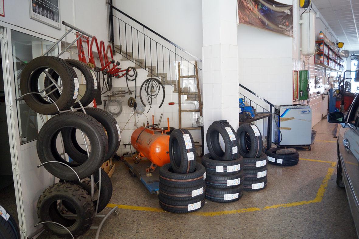 La boutique del Neumático Avenida de la Estación (Antequera)